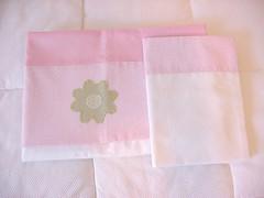 Lenol bordado (Mariana Tadeu) Tags: baby quadro infantil porta beb kit patchwork decorao bero mariana maternidade ateli protetor tadeu almofadas lembrancinhas colchas trocador