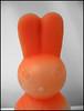 Plastikhase aus Tallinn (sulamith.sallmann) Tags: orange rabbit toy tallinn estonia artificial 2008 spielzeug hase künstlich häschen estland xyz haeschen plastikhase ob0 sulamithsallmann trashbit fu0