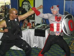 Pittsburgh Comicon 2008: Blade Versus Captain Ohio (MorpheusBlade) Tags: costume cosplay blade daywalker pittsburghcomicon bladetheseries bladehouseofchthon pittsburghcomicon2008