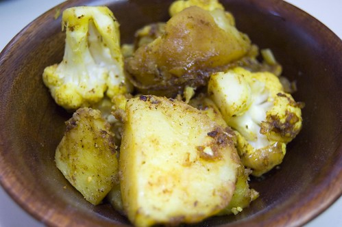 Potato Curry With Cauliflower