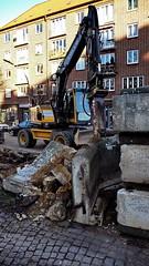 Abriss der Mauer am Hansaplatz in Hamburg St. Georg
