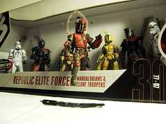 Breaking Free (fuzzirella) Tags: starwars explore collectables cwd unfettered cwdexplore cwdrs cwd502 republiceliteforces mandaloriansclonetroopers cwdrs50
