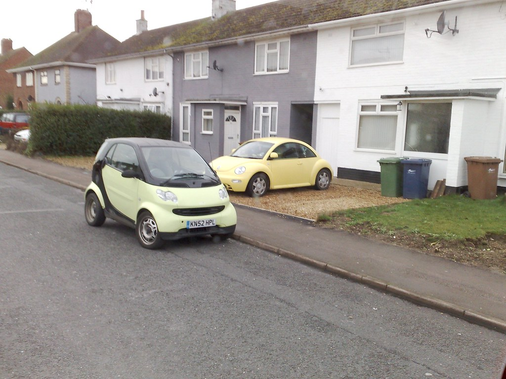 Smart car Vs VW Beetle
