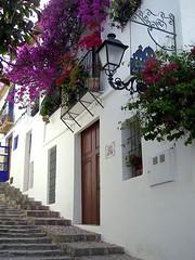 Altea (Alicante) (jrgcastro) Tags: costa blanco azul mar pueblo bonito iglesia alicante blanca cal altea bella vella cupulas cupula libre belleza pueblecito mediterrneo tejas bello alacant cpula cpulas tosal tossal