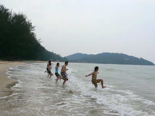 Bunch of sor chai and sor poh running into Cherating sea