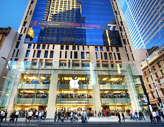 Sydney Apple Store (Christopher Chan) Tags: apple retail canon store sydney australia grand electronics nsw newsouthwales opening kingstreet 1022mm 30d vertorama 77king