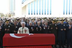 SEHIT UZMAN CAVUS USLU'NUN CENAZE TORENI (FOTO 2/3) (CHP FOTOGRAF) Tags: siyaset sol sosyal sosyaldemokrasi chp cumhuriyet kilicdaroglu kemal ankara politika turkey turkiye tbmm meclis mahmut uslu sehit asker uzman cavus basbakan ahmet hamdi akseki camii binali yildirim genelkurmay baskani hulusi levent gok mustafa destici tabut bayrak