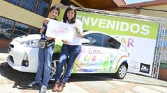 Sergio Salazar Nuñez, participante de Dream Car y Ana María Sequeira, Jefa de Relaciones Corporativas de Grupo Purdy Motor