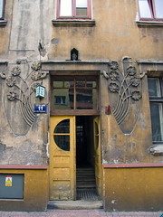 A visit to Cracow (Chris Kutschera) Tags: building decoration entrance poland cracow ambiance atmosphre
