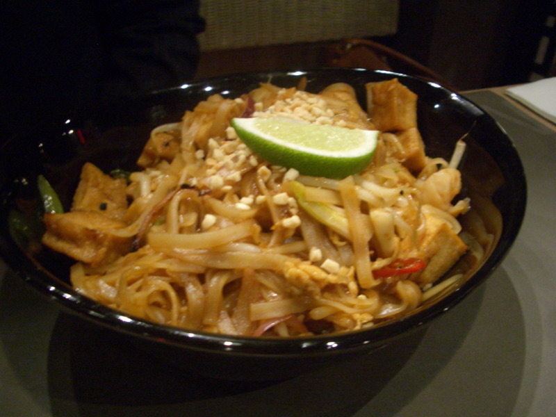 Pad thai at Cho Gao