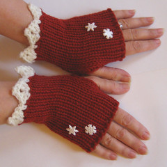 Red & White - Lace & Snowflakes Fingerless Gloves (KnittingGuru) Tags: christmas winter red wool snowflakes warm lace handknit merino crocheted fingerlessgloves gloveschristmas