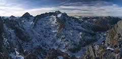 Las Ubias desde el Farientu (jtsoft) Tags: mountains landscape asturias olympus e510 ubia quirs zd1454mm jtsoftorg