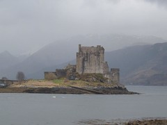 Eilean Donan Castle  Scotland [EXPLORED] (conner395) Tags: castle scotland ross highlands alba scottish escocia loveit highland scotia fortress soe szkocja caledonia eileandonan conner schottland westerross schotland ecosse kintail dornie scozia skottland scottishcastles rossshire skotlanti skotland castlescotland  i500   kartpostal scotlandcastle scottishcastle beautyis aplusphoto highlandcastle  flickrestrellas flickrstas daveconner quarzoespecial conner395  castlesofscotland davidconner daveconnerinverness daveconnerinvernessscotland scottishcastlepic scottishcastlephotograph castlescots scottishhighlandcastle  castlesinthehighlandsofscotland castlephotograph