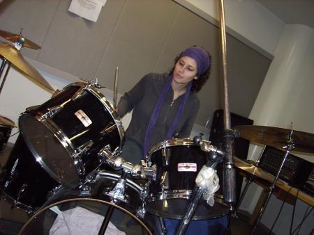 Raquel a la batería