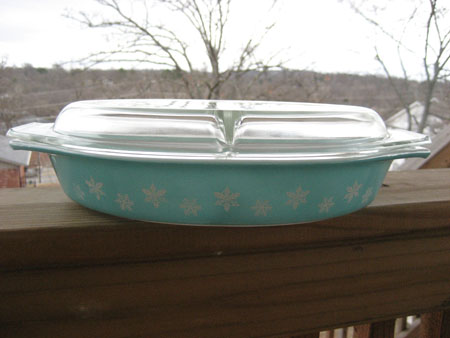 Pyrex Turquoise Snowflake Divided copy