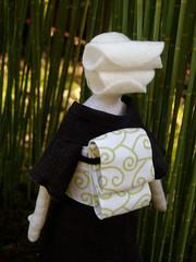 staring (beruta) Tags: green stuffed handmade linen sakura obi springsun clothdoll bambuforest japaneselady blackkimono