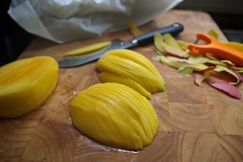 damn, i love my mango peeler