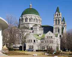 Cathedral Basilica of Saint Louis, in Saint Louis, Missouri - exterior.jpg