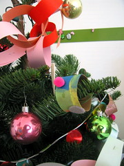 paper roll ornament