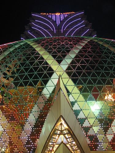 2166867994 f611fec129 Grand Lisboa: El gran hotel y casino de Macao