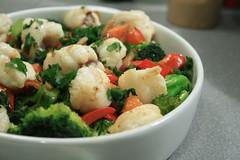 Légumes & lotte grillés au wok