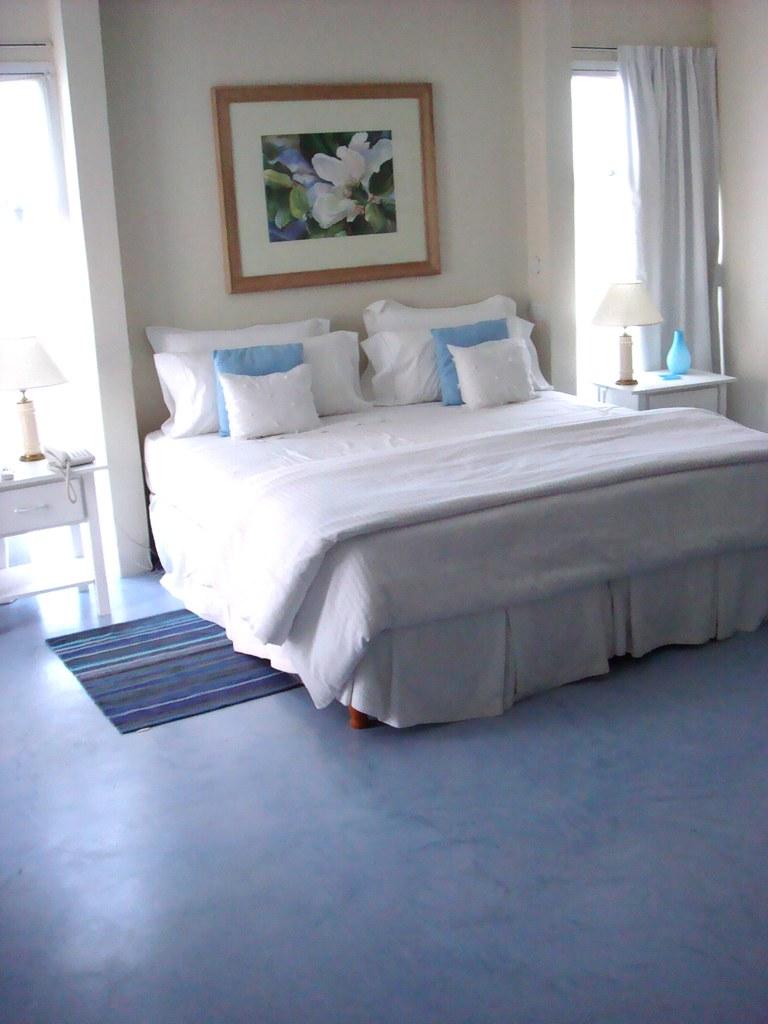 2391507407 99d10eb4f4 b Microcemento alisado para pisos y revestimientos