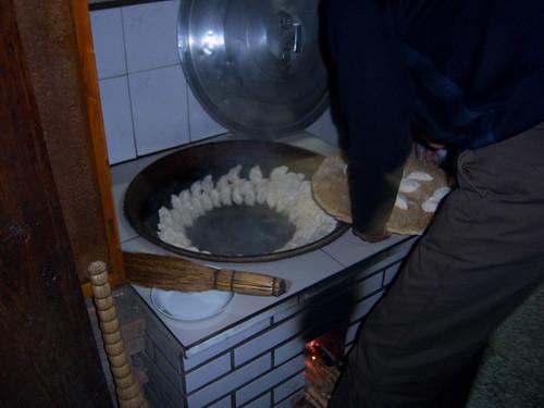 爐灶煮餃子