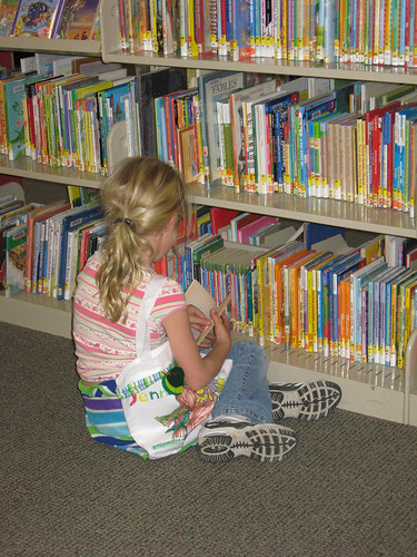 Make Your Own Book Bag at the Woodside Library