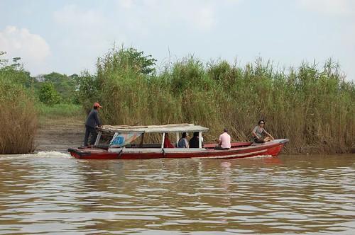 Naik Ketek di Sungai Batanghari Jambi