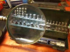 Herramientas (Caliaetu) Tags: magnifyingglass workshop taller lente lupa screwdriver atelier loupe tournevis bottega destornillador cacciavite sooc caliaetu fernandotorrealonso