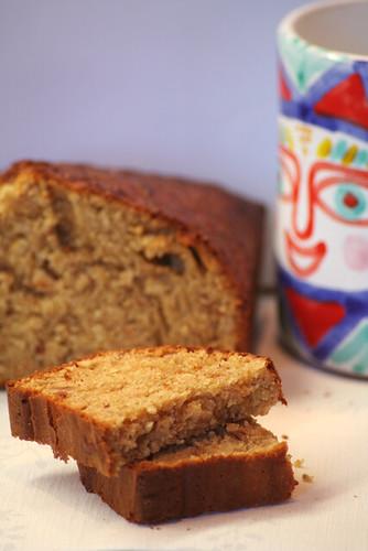 Torta aromatica di nocciole al miele