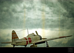 Mitsubishi A6M - Zero (Jorge L. Gazzano) Tags: japan lomo lomography airplanes explore japo warbirds zero mitsubishi aviao japons lomografia zerozen mitsubishizero aeronaves duetos sonyh9 moderniconigraphy