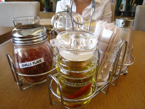 Condiments @ Pasta de Waraku.JPG