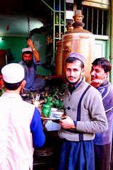 Chay Anyone? (friend_faraway *) Tags: pakistan people men tea peshawar bazaar greentea nwfp kava chay pashtun khyberbazaar