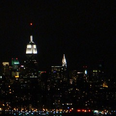white caps (mudpig) Tags: nyc newyorkcity newyork skyline geotagged yahoo newjersey google view empirestatebuilding empirestate msn chryslerbuilding livecom mudpig stevekelley
