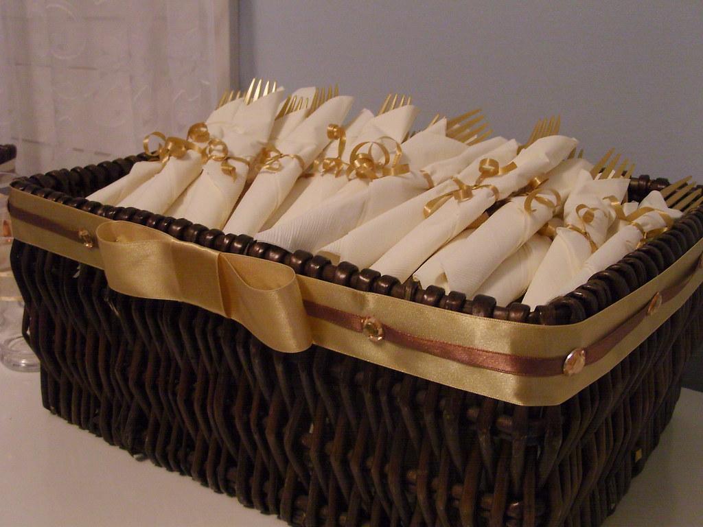 Main cutlery basket.