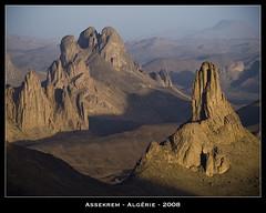 Assekrem - Hoggar (jpmiss) Tags: africa sunset sahara nature beautiful de geotagged algeria soleil al desert coucher olympus algérie hoggar assekrem e510 الجزائر atakor foucauld ahaggar jazair jpmiss