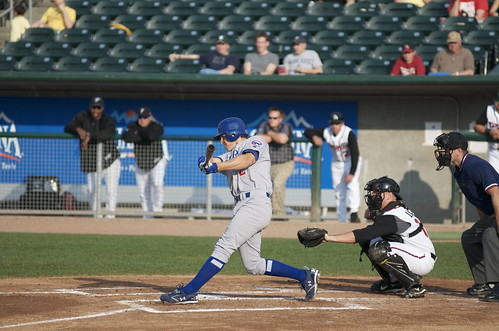 Top Cubs prospect Josh Vitters shows his mighty bat (mwlguide/flickr)