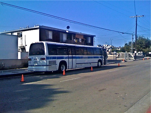 MTA_Bus_in_Venice_01.jpg