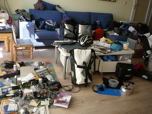 El living de Anouk y Romke ! ya lo hemos limpiado y estan todas las cosas empacadas, pero que lio !