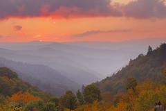 Oconaluftee Sunrise (Ben_D) Tags: autumn sunrise nps d70s northcarolina overlook smokies smokymountains greatsmokymountainsnationalpark gsmnp oconaluftee