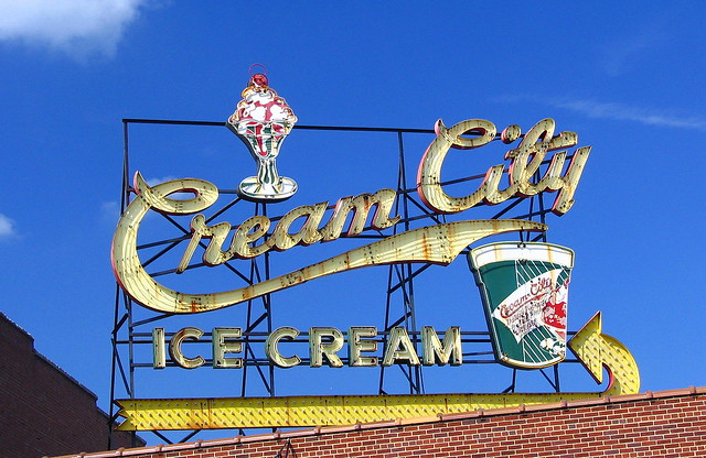 Cream City Ice Cream neon sign