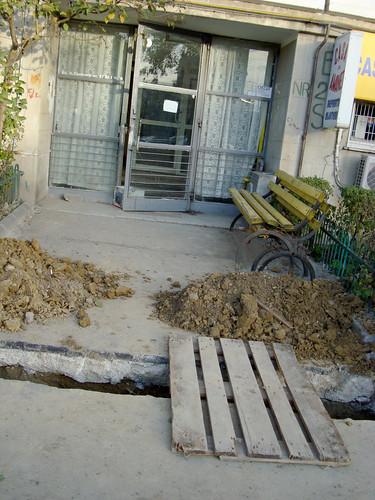 Street repare Bucarest style-11