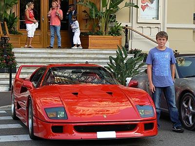 clem et sa Ferrari.jpg