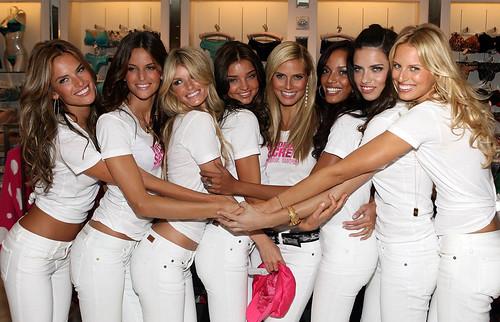 Models posing for Victoria's Secret in 2007
