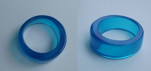 anillo azul redondo