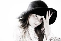[フリー画像] [人物写真] [子供ポートレイト] [外国の子供] [少女/女の子] [帽子]      [フリー素材]