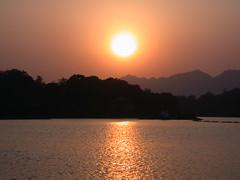 xihu sunset full sun