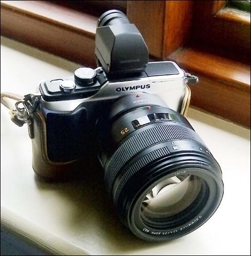 Olympus E-PL2 Panasonic Leica 25mm f/1.4 Summilux