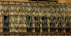 Scaffolding (sjb5) Tags: venice italy building canal scaffolding scaffold venezia grandcanal